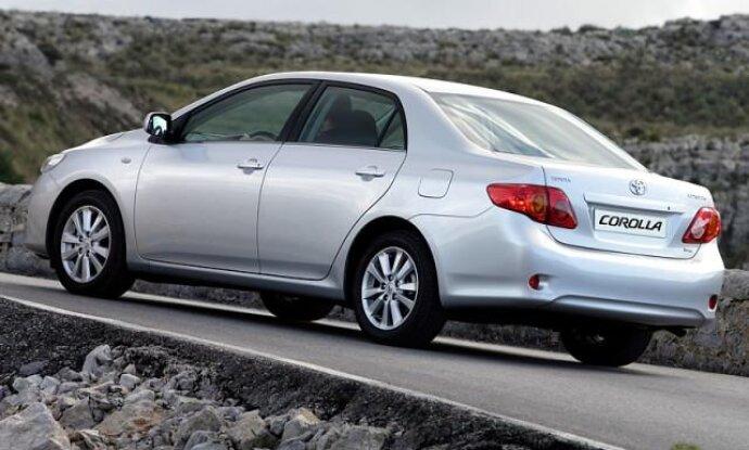 Проводим замену топливного фильтра в Toyota Corolla пошаговая инструкция