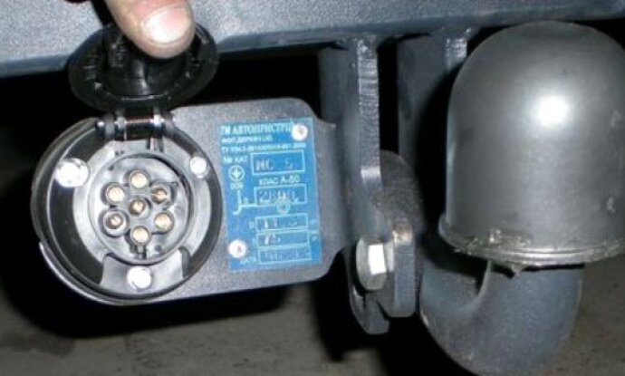 358a005596d76ad 690x415 - Схема подключения проводов фаркопа