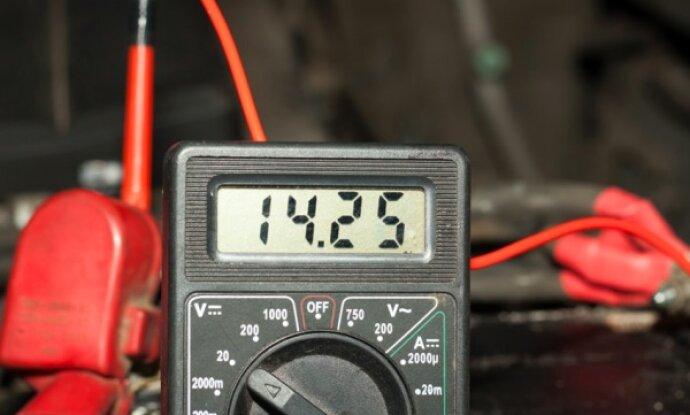 e706818a0df04d8 690x415 - Тестер для проверки аккумуляторов