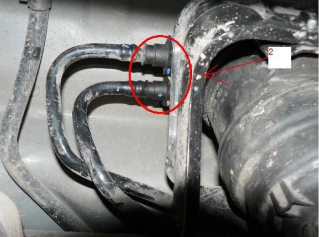 Отключение сливного трубопровода на Ford Mondeo 4