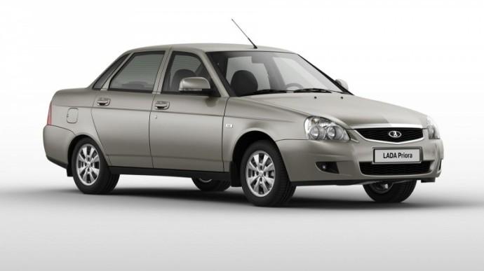 Самостоятельная замена топливного фильтра в автомобиле Лада Приора