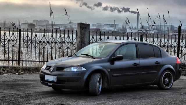Автомобиль Renault Megane 2