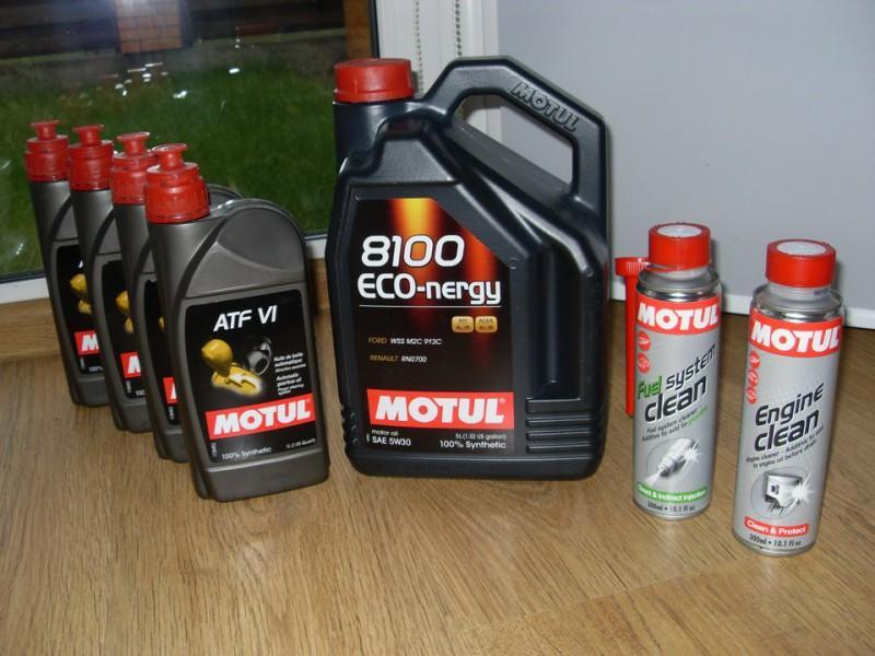Масло Motul 8100 Eco-nergy с жидкостью для промывки