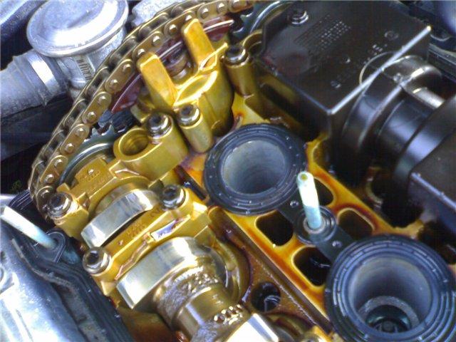 Элементы двигателя после использования оригинального масла от Castrol
