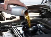 Какое масло нужно заливать в двигатель?