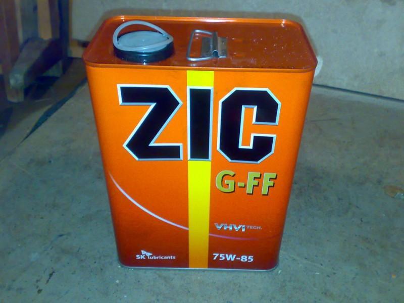 Масло для механической коробки передач «Зик» в четырехлитровой канистре