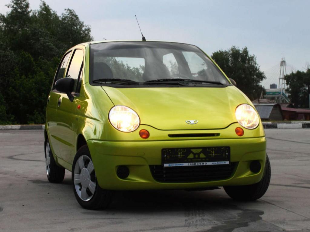 Daewoo Matiz (Дэу Матиз) зелёный автомобиль кузнечик