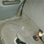 Под ковролином вы увидите место расположения бензинового насоса