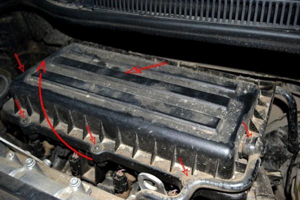 Как правильно демонтировать крышку двигателя