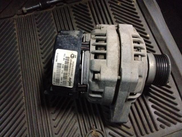 Вышедший из строя автомобильный генератор