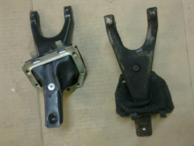 Новая и старая вилки для ВАЗ 2107