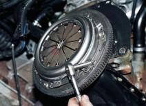 Исправляем проблему остановки двигателя при нажатии сцепления