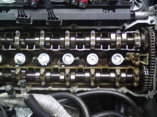 Идеально чистый двигатель - это достигается путем регулярной промывки ДВС и эксплуатацией исключительно качественного расходного материала