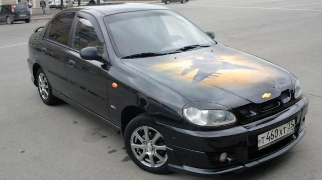 Автомобиль Шевроле Ланос