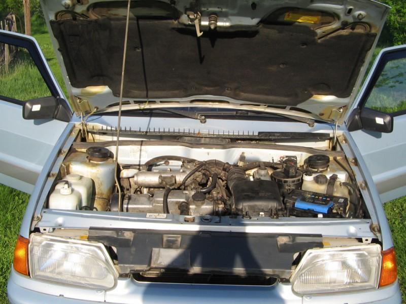 Моторный отсек ВАЗ 2115