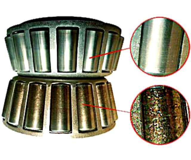 Вверху изображен подшипник, имеющий защитную пленку на поверхности от использования качественной смазки, внизу - несмазанный элемент