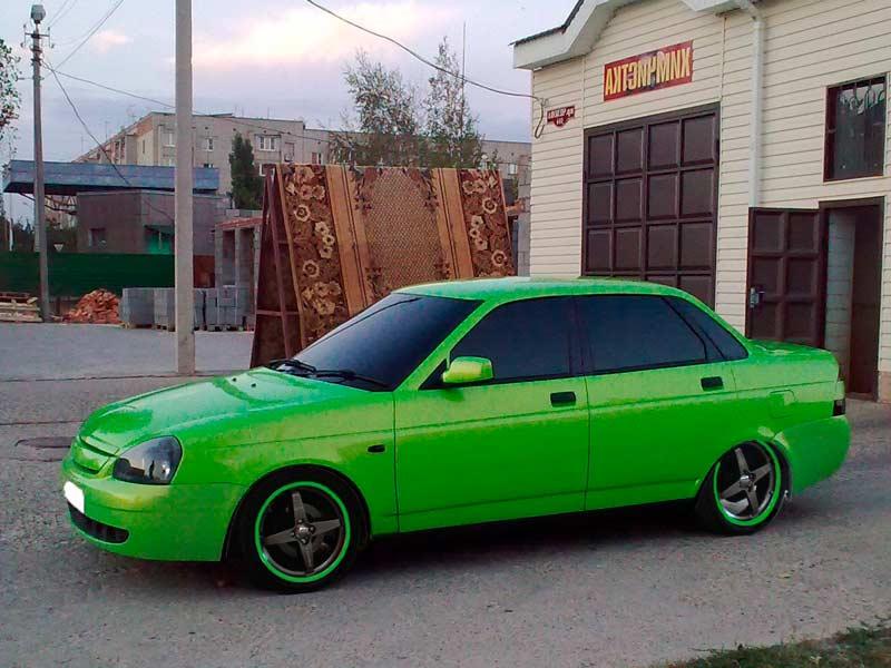 Автомобиль ВАЗ Приора