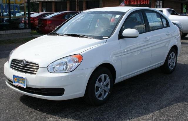 Автомобиль Hyundai Accent 2010 года выпуска