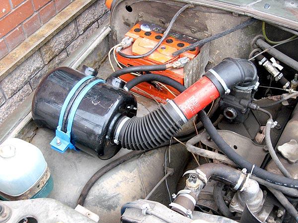 Воздушный фильтр УАЗ в корпусе под капотом