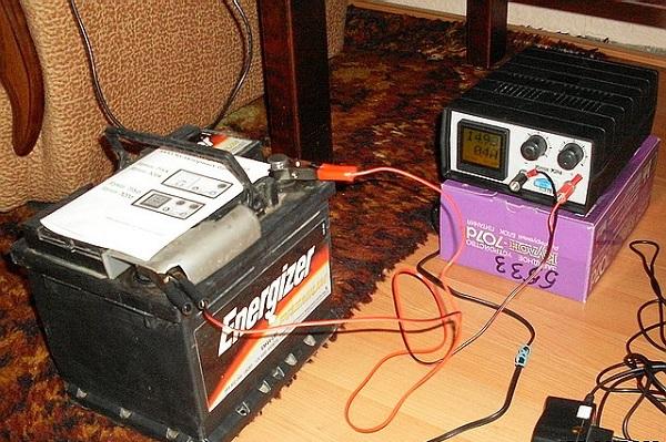 Зарядка аккумулятора для автомобиля