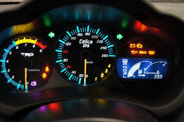 Полная расшифровка всех значков панели приборов авто