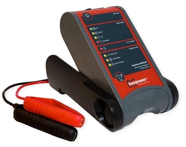 Автоматическая зарядка для автомобильного аккумулятора