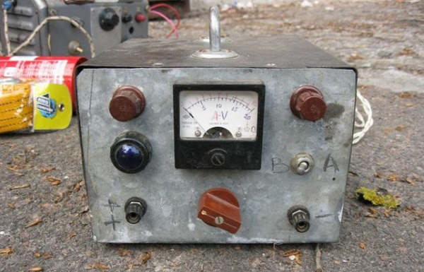 Трансформаторный прибор для зарядки