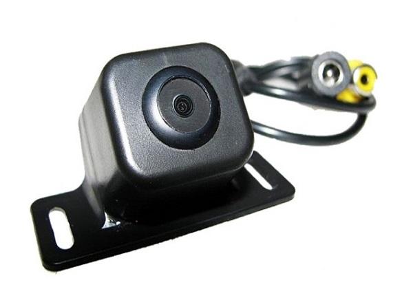 Универсальная видеокамера для автомобиля