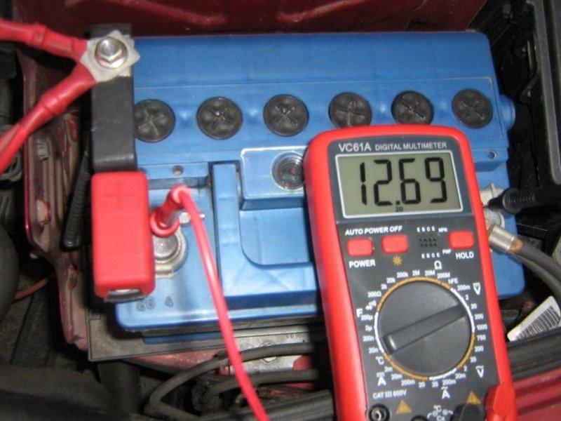 Диагностика заряда АКБ мультиметром