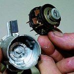 Демонтируйте контактную часть и замените ее.