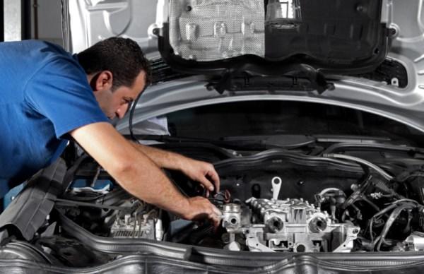 Ремонт машинного двигателя