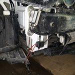 После установки фонарей уложите проводку и выведите кнопку управления.