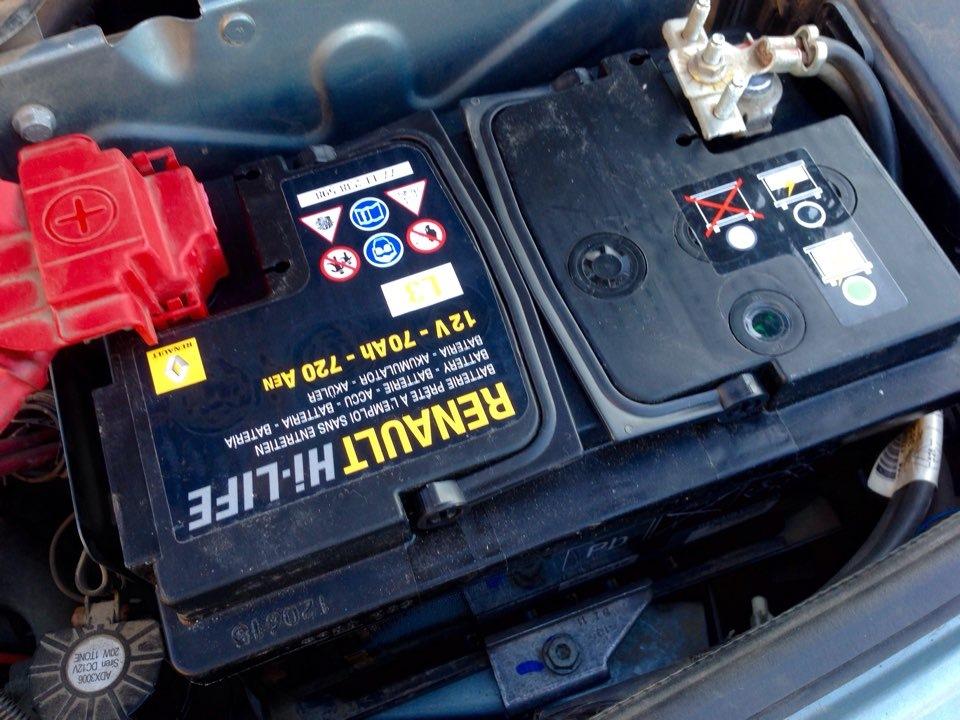 Аккумулятор Рено в автомобиле