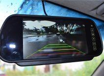 Видеозеркало с камерой заднего вида: как его выбрать и подключить?