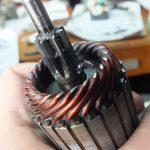 Демонтируйте якорь со стартерного узла и оцените его состояние, если нужно - замените.
