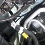 Подключите все магистрали, соедините провода, после этого нужно заправить кондер и проверить его работу.