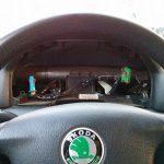 Авто с демонтированным щитком