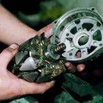 Снятие заднего подшипника после демонтажа ротора