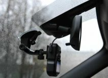 Как правильно установить и подключить видеорегистратор в автомобиле без прикуривателя?