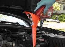 Проводим замену масла в АКПП в автомобиле Ниссан Альмера Классик