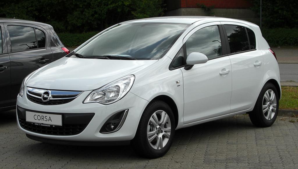 Фото белой Opel Corsa