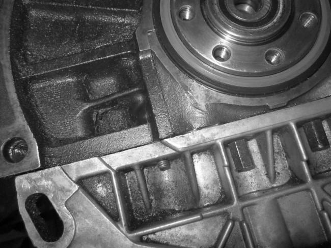 Фото течь масла между двигателем и КПП
