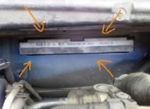 Как заменить салонный фильтр на автомобиле Пежо 308