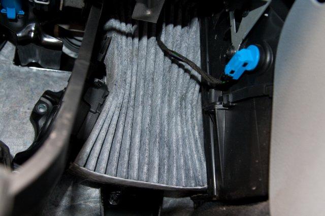 Замена салонного фильтра Форд Мондео 4