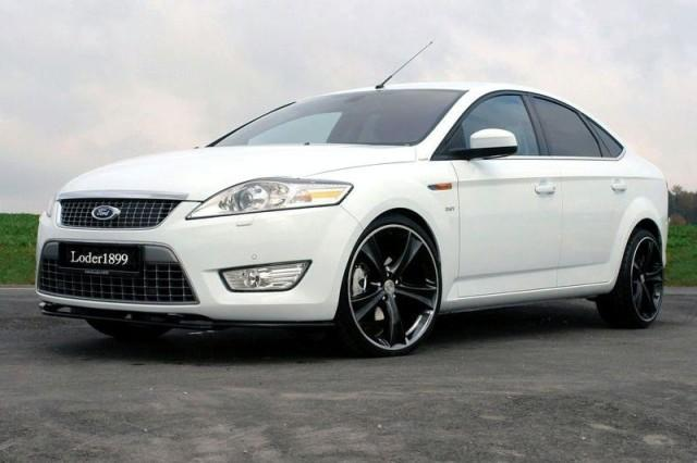 Ford Mondeo 4 Ford Mondeo 4 белого цвета