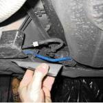 Защитная накладка и топливные трубки