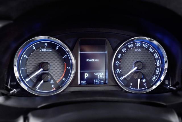 Панель приборов Toyota Corolla 2014