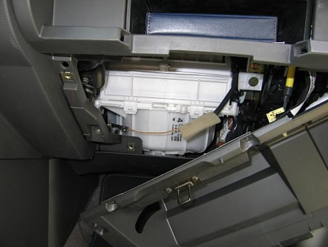 Как поменять салонный фильтр на ниссан х-трейл