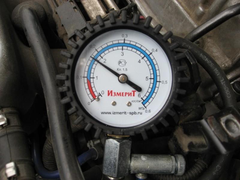 Прибор для замера давления масла в двигателе