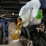 Правильный залив масла в двигатель